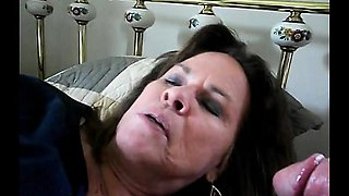 amateur-granny-gives-a-nice-blowjob
