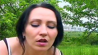 Lenka Outdoor Porno