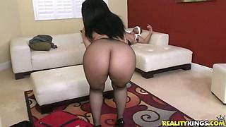 girl dancing music big boobs