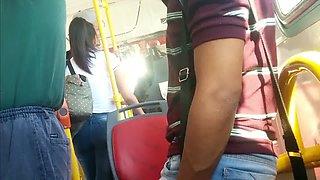 Девушка трахается прямо автобусе
